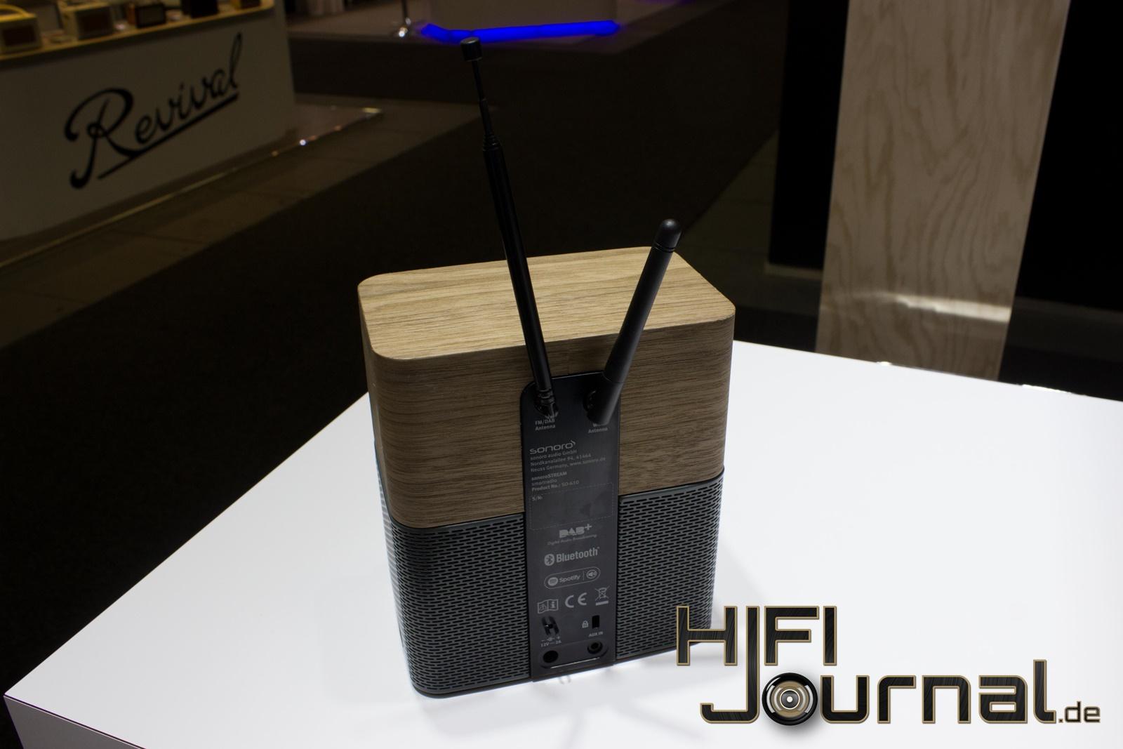 So Können Mehrere Lautsprecher, Welche Sich Im Selben WLAN Netzwerk  Befinden, Gleichzeitig Gesteuert Werden Um Dieselbe Musik In Allen Räumen  Abzuspielen, ...