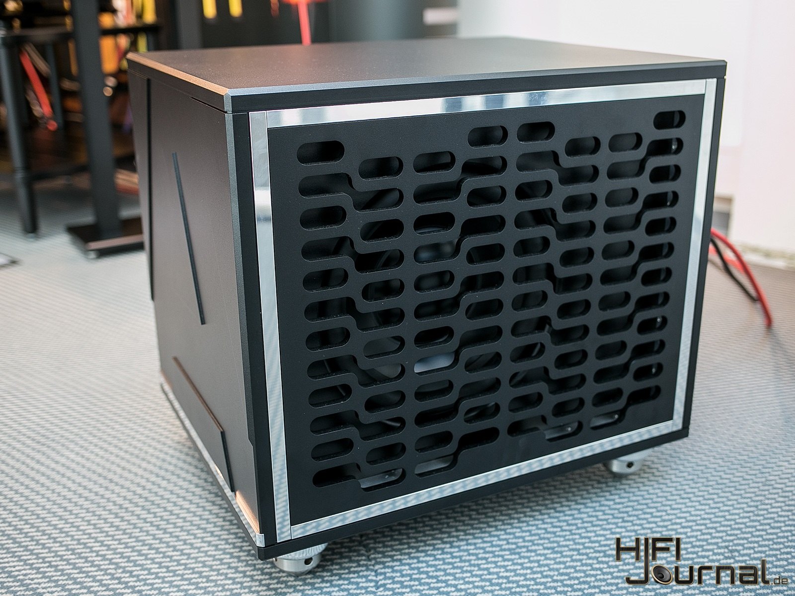 AVID HIFI Reference Subwoofer 03