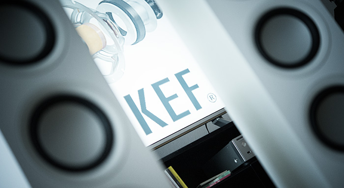 test kef q550 standlautsprecher hifi journal. Black Bedroom Furniture Sets. Home Design Ideas