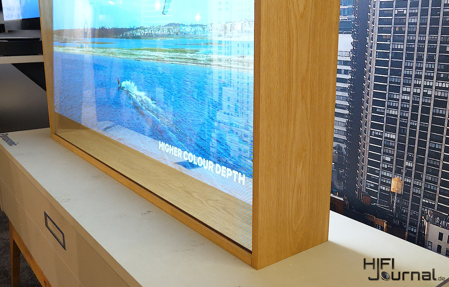 Panasonic Transparent OLED TV 03