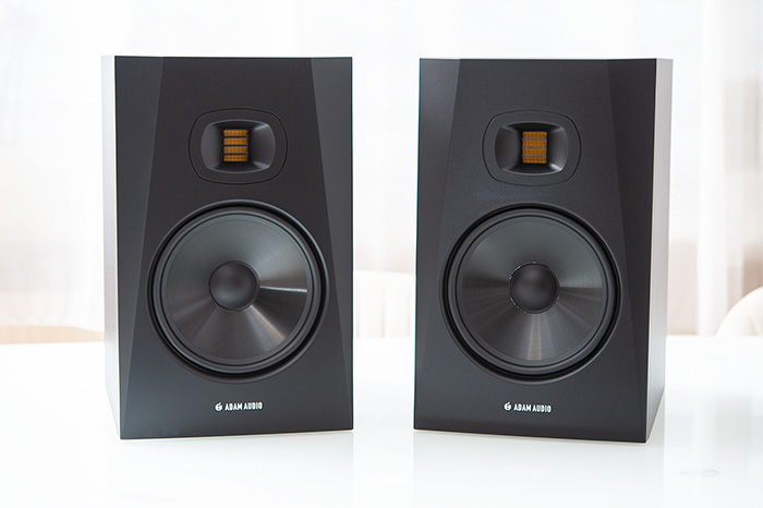 Adam Audio T8V 02k